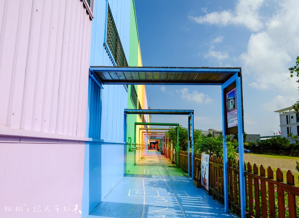 IG打卡景點》彰化鹿港緞帶王觀光工廠│彩虹隧道 彩虹屋 色彩繽紛好好拍