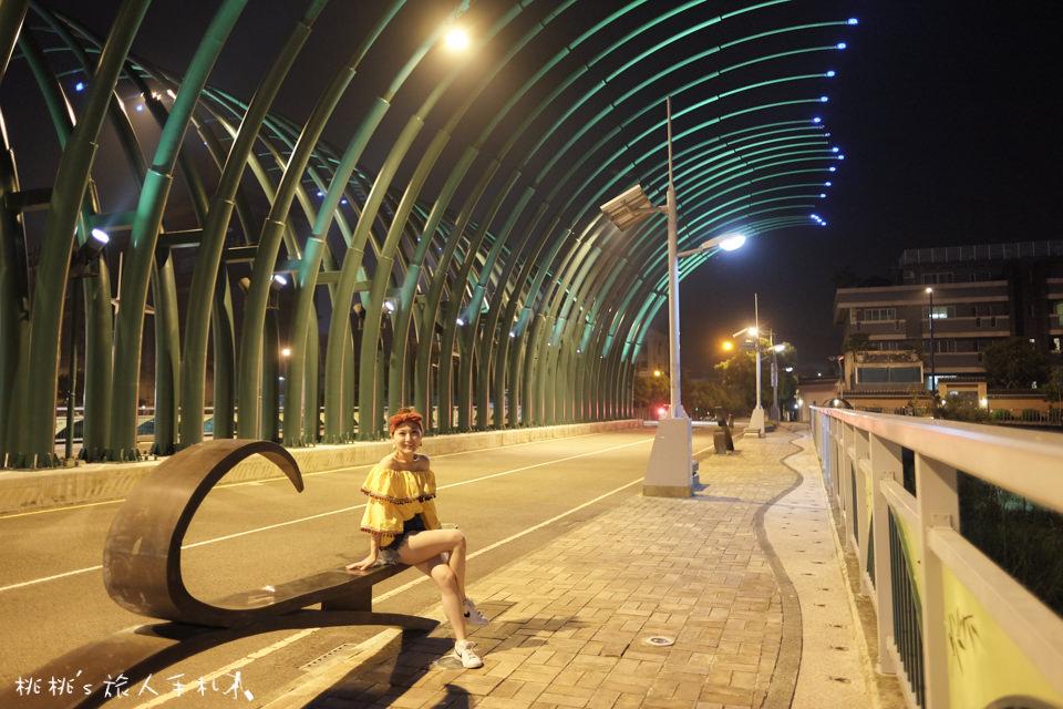 IG打卡景點》台中大坑蝴蝶橋(清新橋)│夜晚點燈後美麗蝴蝶閃耀整個夜空