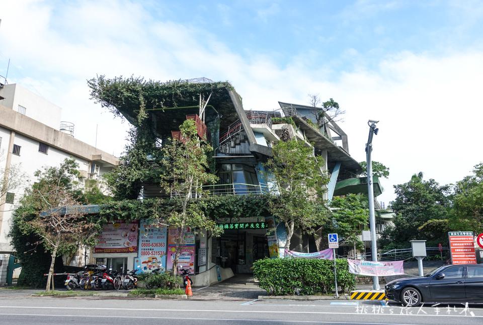 IG打卡景點》宜蘭 礁溪戶政事務所│神奇的扭曲建築,彷彿霍爾的移動城堡!