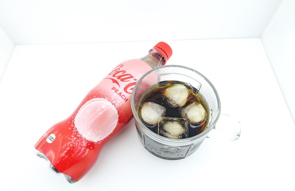 日本零食》蜜桃可口可樂 限定口味新上市│綾瀨遙叫我買的!