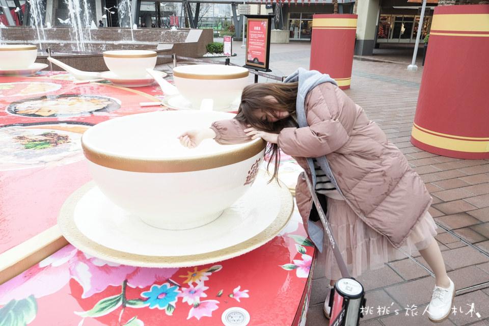 IG打卡景點》華泰名品城│自由女財神發紅包+巨型辦桌等你上桌!