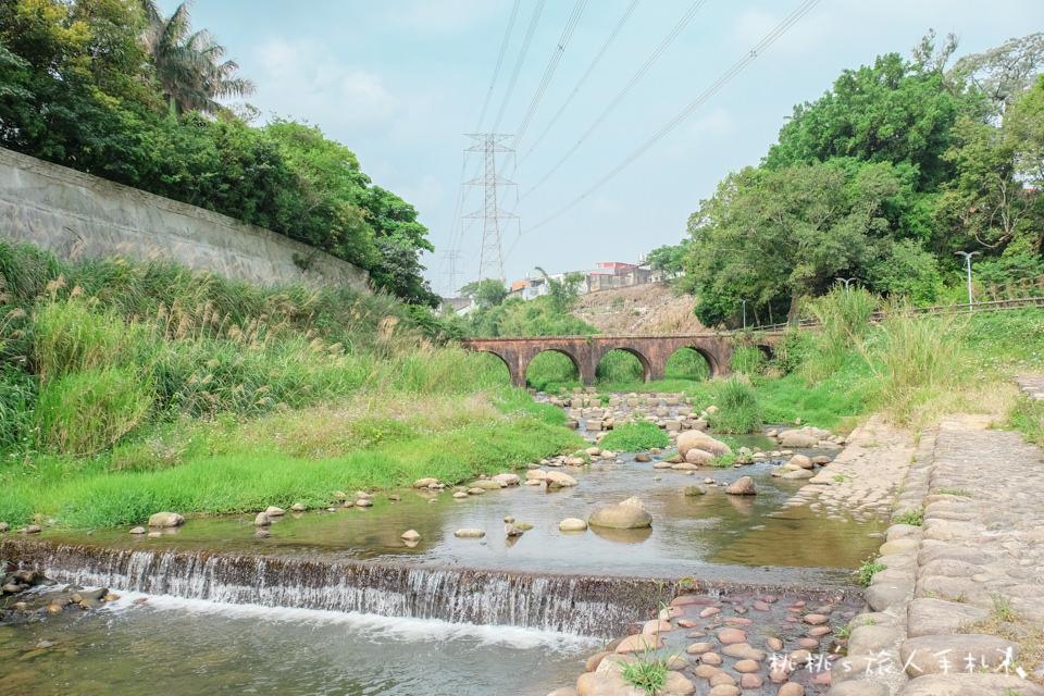 IG打卡景點》桃園龍潭 大平紅橋│穿越百年的秘境拍照景點