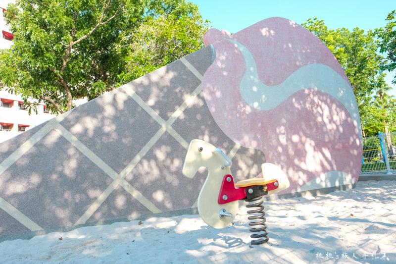 台中打卡景點》福星公園 粉紅冰淇淋溜滑梯│網美角度這樣拍最美!