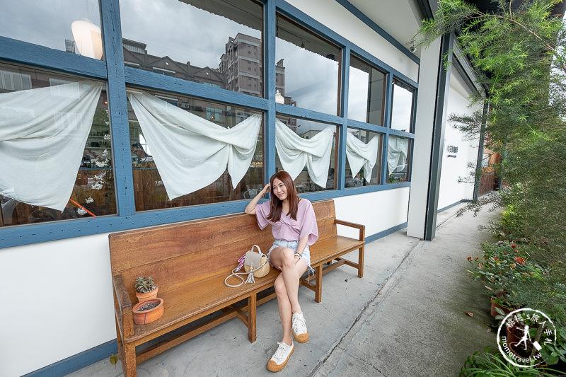 宜蘭咖啡廳》小花徑咖啡│吃飯糰看火車 頭城的愜意時光
