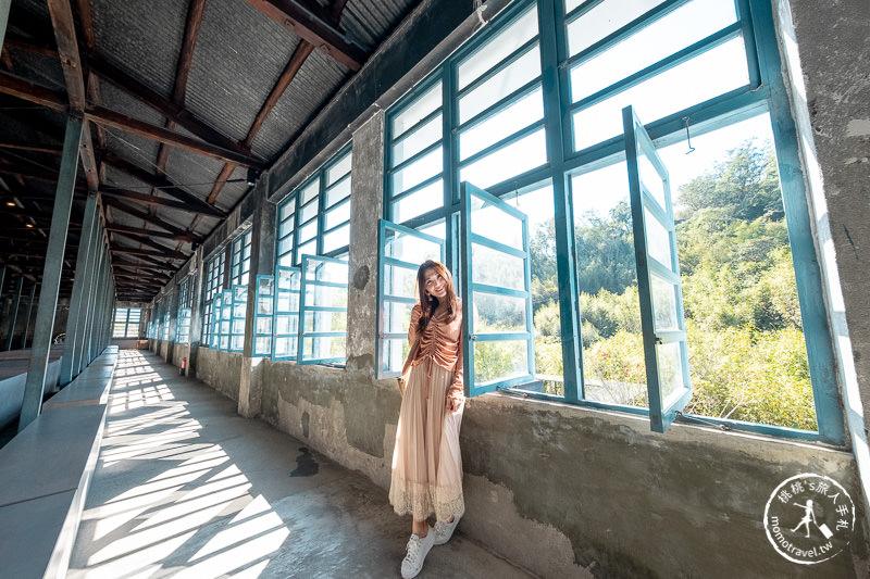 桃園景點》大溪老茶廠│守候老窗邊的光與影