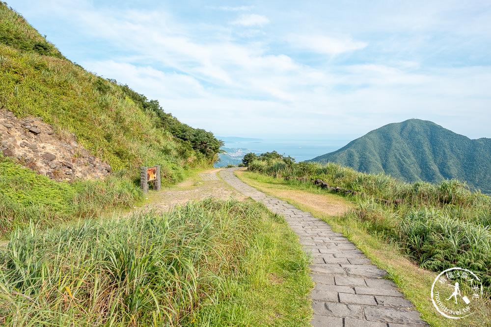 新北瑞芳景點》金瓜石地質公園│必看!本山礦場石頭陣+無敵海景步道